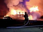 Mașinile i-au foc în fiecare zi, însă doar cele electrice apar în știri