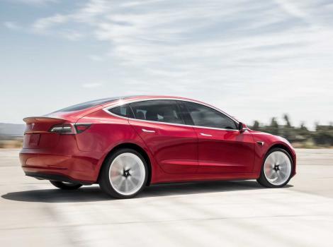 Tesla a micșorat prețul pentru versiunile de bază ale Model 3 și Model Y și a majorat pentru versiunea Performance