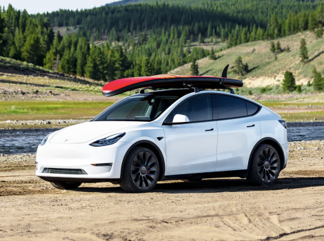 Tesla a majorat prețul la Model Y. Din nou