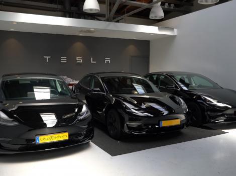 Tesla a vândut deja toate automobilele pe care le va putea produce până în iulie 2021