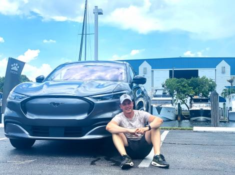 Ford Mustang Mach-E - выездной обзор ECARS из Майами