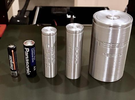 Elon Musk consideră că Tesla se confruntă cu problema înghețatei Baskin-Robbins - prea multe tipuri de baterii