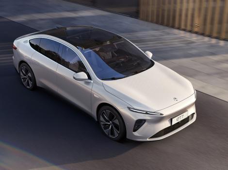 NIO prezintă sedanul ET7 cu porturi europene de încărcare